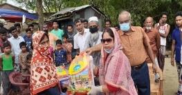 চাঁপাইনবাবগঞ্জে ১০০টি অসহায় পরিবারের মাঝে এমপি জেসির খাদ্যসামগ্রী