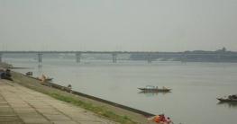 চাঁপাই মহানন্দা নদীর পাশের রাস্তায় বাইকে ছিনতাইকারিরা তৎপর