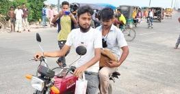 চাঁপাইয়ে মোটরসাইকেলে ছাগল চুরি করে পালাতে গিয়ে কারাগারে