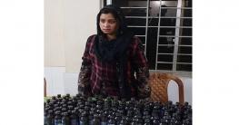 চাঁপাইনবাবগঞ্জে ১০০ বোতল ফেন্সিডিলসহ নারী আটক