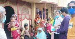 শিবগঞ্জে করোনা প্রতিরোধে সচেতনতা বাড়াতে মাঠে আ.লীগ নেতা